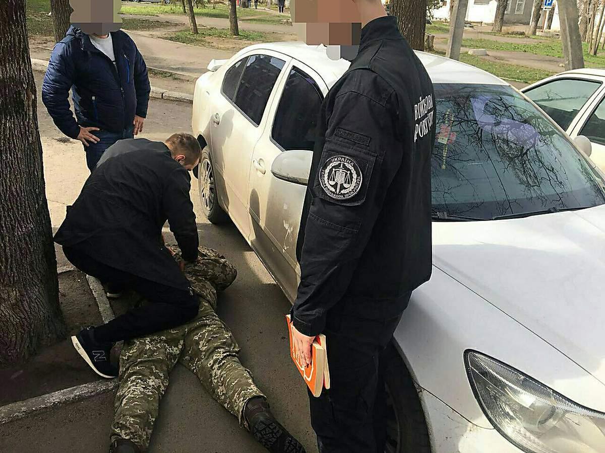 В Николаеве командира взвода уличили в коррупции