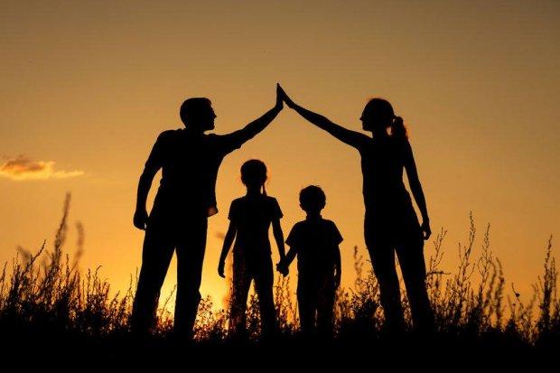 День семьи: поздравление в картинках