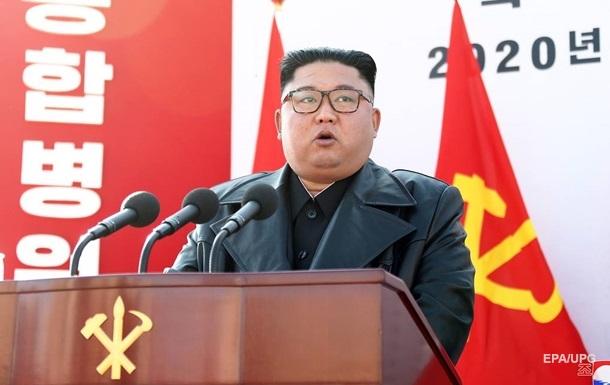 Ким Чен Ын впервые появился на публике после слухов о смерти